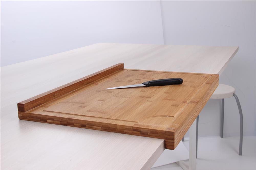 Planche de travail en bambou grand mod le avec rebord tom press - Decouper un plan de travail pour plaque ...