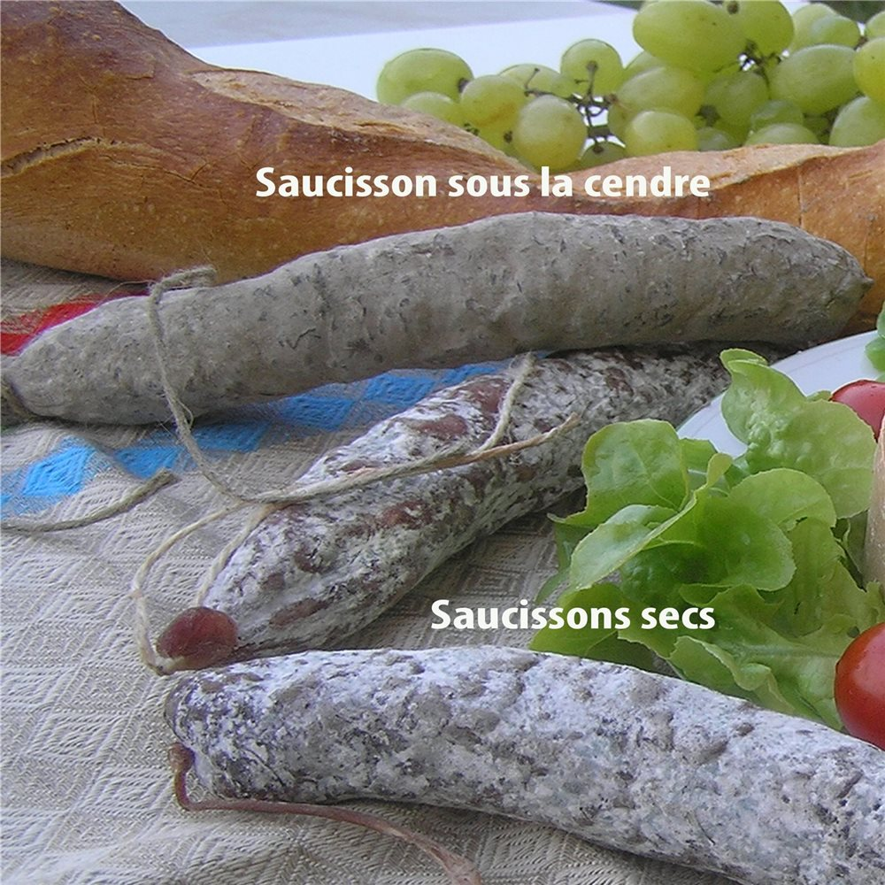 Le saucisson sous la cendre tom press for Cendre de bois jardin